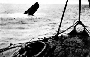 Hundimiento del Gobierno republicano B.6 submarino , vista desde la cubierta del crucero Nacionalista Velasco , de La Coruña , 10 de septiembre de 1936 1